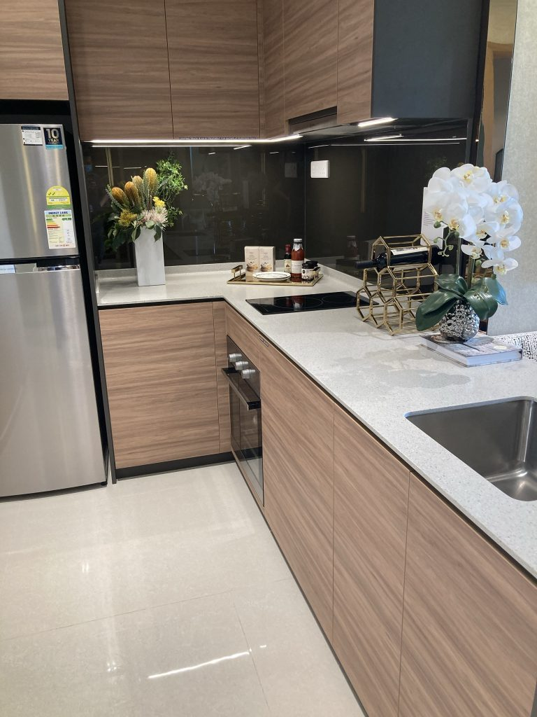Midwood Condo Located at Hillview MRT Station Near to Hong Leong Holdings
